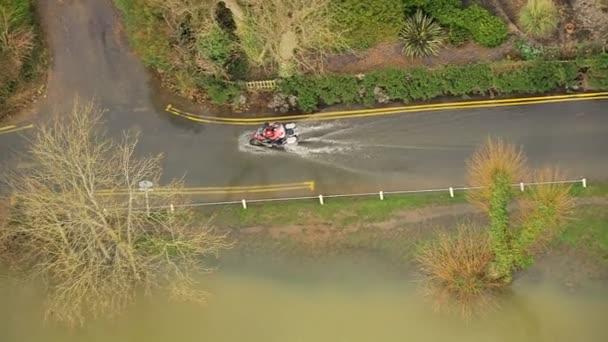 Motorku na zaplavených silnic venkovských oblastí, jihozápad, Velká Británie