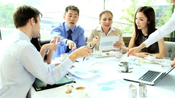 Finanční investoři na oběd setkání