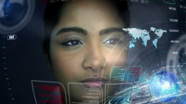 Asijská žena pomocí Motion grafika