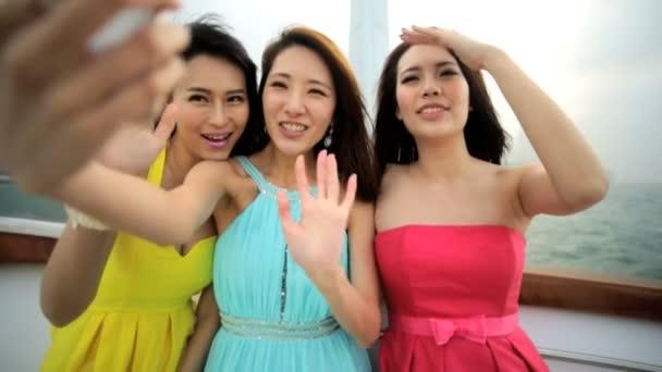 Asijské dívky video konverzaci