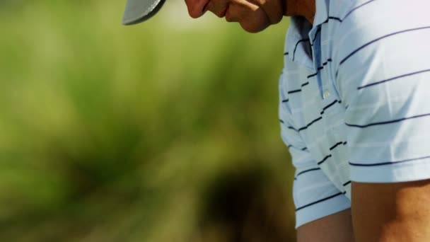 mužské golfové hráče golfu