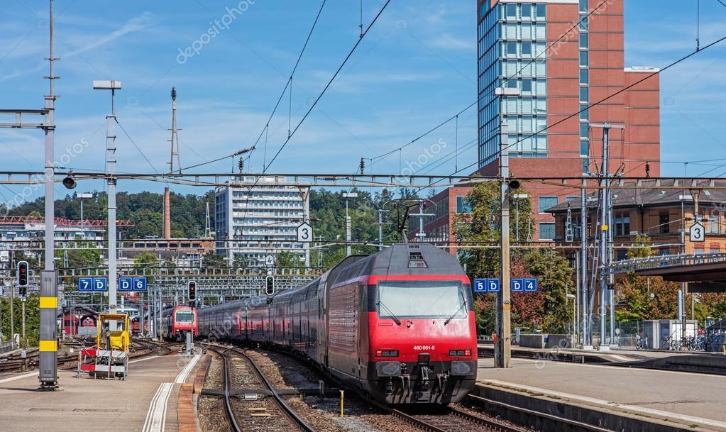Train leaving the Winterthur main railway station