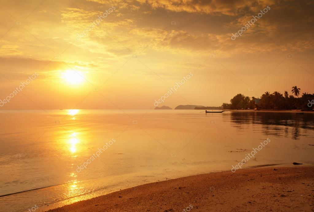 Beautiful Ocean Sunset Wallpaper Beautiful Sunset On The