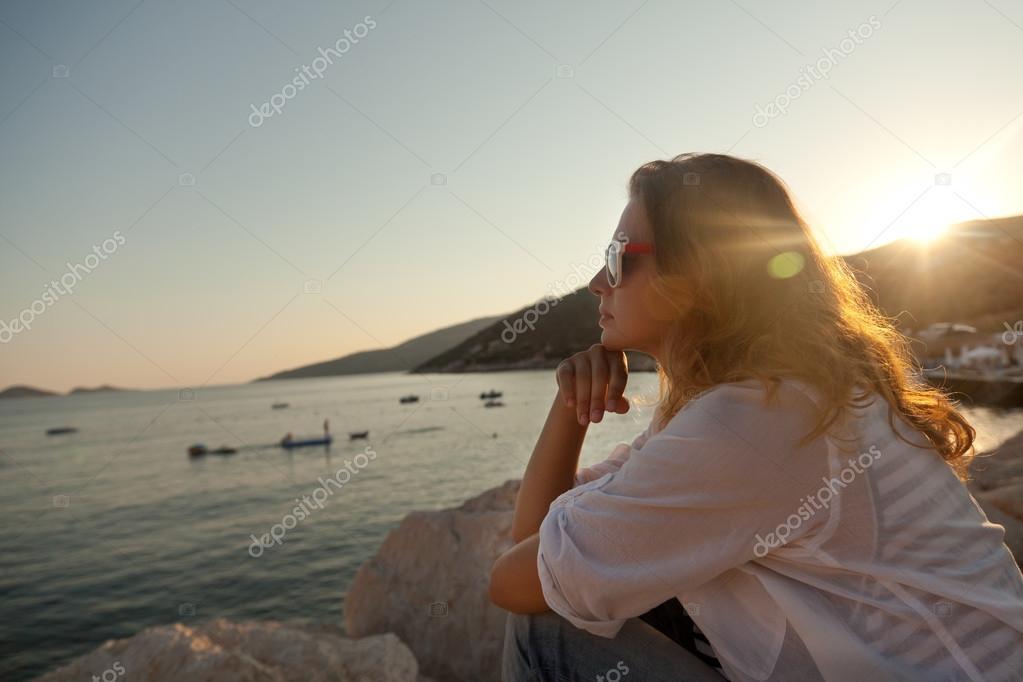 Девушка на берегу моря фото, смотреть жена перед вебкамерой онлайн