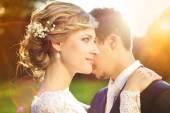 Genießen romantische Momente Hochzeitspaar