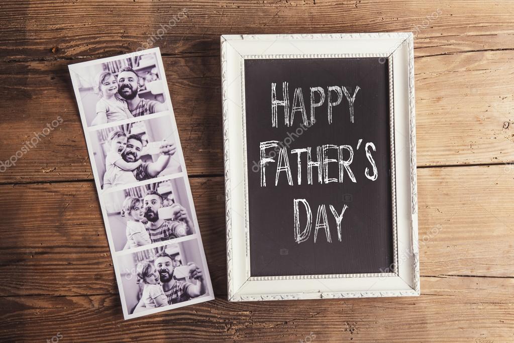 Marco de fotos con cartel de día de padre feliz — Foto de stock ...