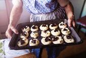 Photo Senior woman baking