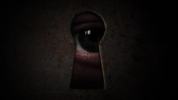 Oči dírkou. Sledovat temné dírkou