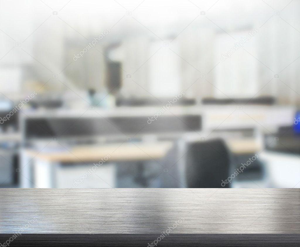 Piano Del Tavolo E Sfocatura Dello Sfondo Ufficio Foto Stock