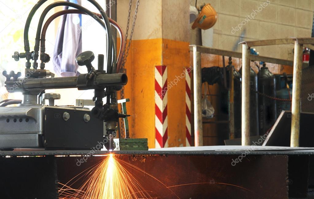 sparking of cutting machine