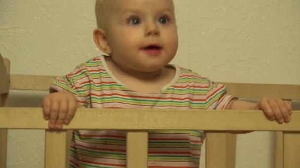 Baby Girl Intent Look, Wow  Closeup  4K UltraHD, UHD