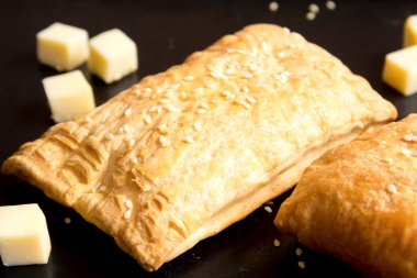 bread puff with cheese