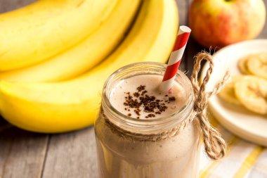 Banana smoothie with cinnamon
