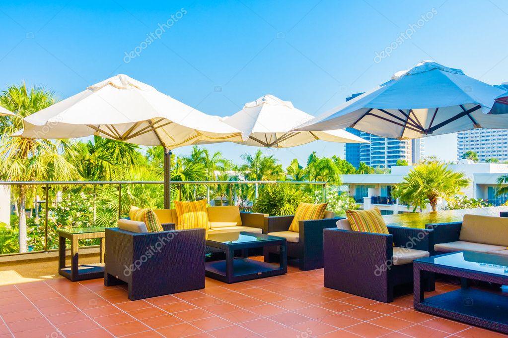 Terrasse Mit Sonnenschirm Stockfoto C Mrsiraphol 101666360