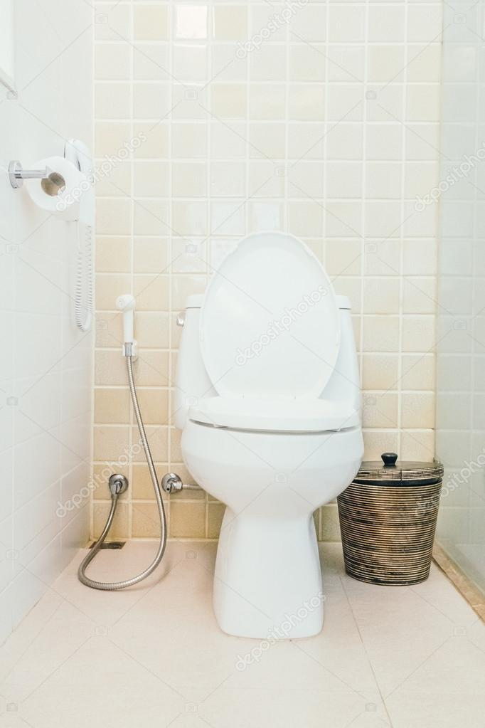 076e8e66f5a2 Τουαλέτα διακόσμηση στο δωμάτιο τουαλέτα — Φωτογραφία Αρχείου ...