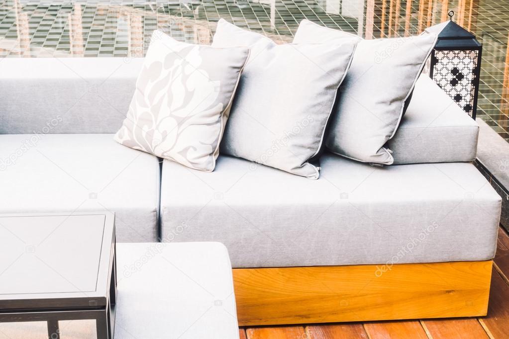 Kussens Voor Stoelen : Bank kussens en stoelen decoratie u stockfoto mrsiraphol