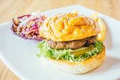 lahodné hovězí hamburger