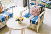 Cuscini di lusso bellissima sul divano