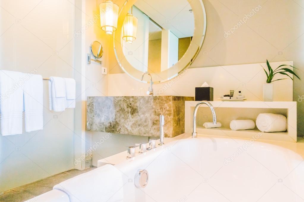 Decoratie Voor Badkamer : Decoratie in de badkamer u stockfoto mrsiraphol