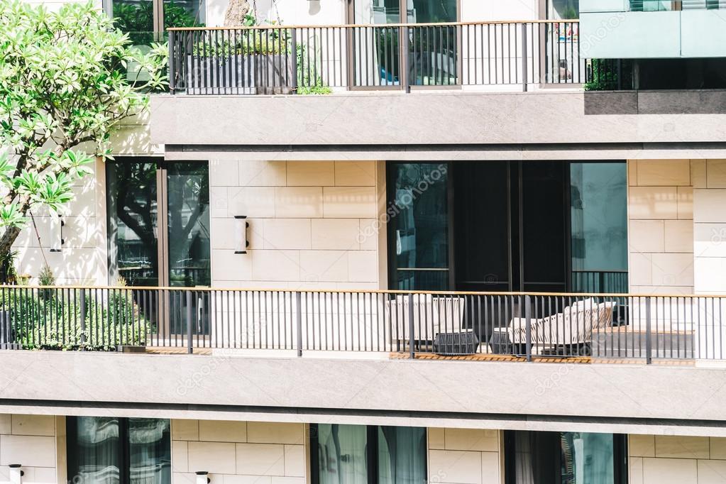 Exterior De La Terraza Del Edificio Fotos De Stock