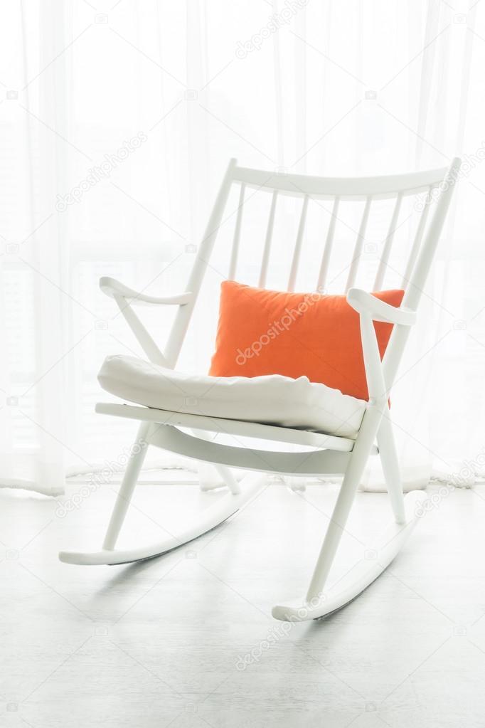 Kussen Voor Schommelstoel.Schommelstoel Met Kussen Stockfoto C Mrsiraphol 116093202