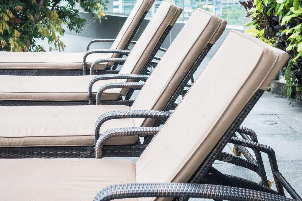 Zwembad stoel decoratie u2014 stockfoto © mrsiraphol #116756222