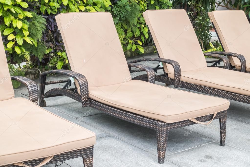Zwembad stoel decoratie u2014 stockfoto © mrsiraphol #117482100