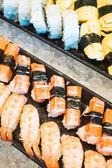 Stravování formou bufetu sushi