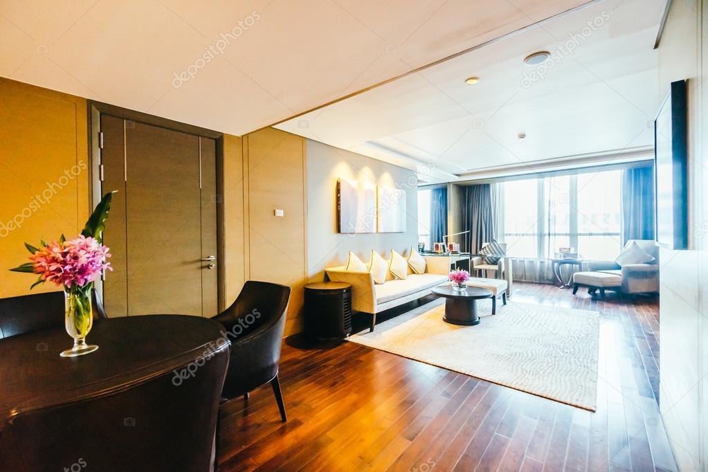 August 2016: Schöne Luxus Wohnzimmer Interieur Dekoration Im Hotel U2014 Foto  Von Mrsiraphol
