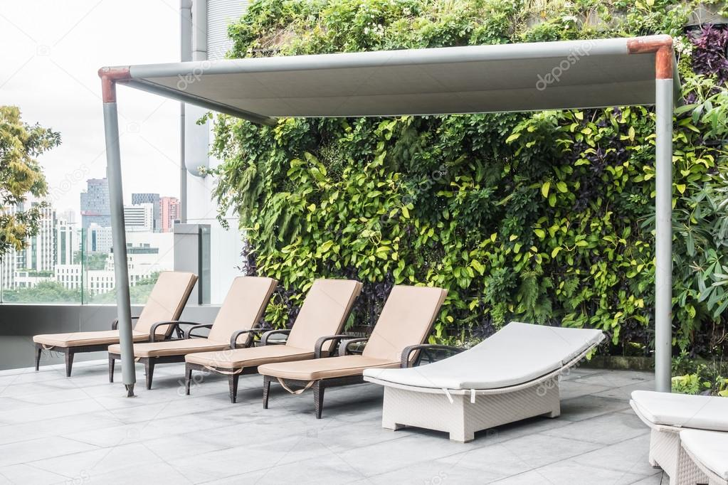 Zwembad stoel decoratie u2014 stockfoto © mrsiraphol #120445692