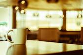 csésze kávé kávézóban