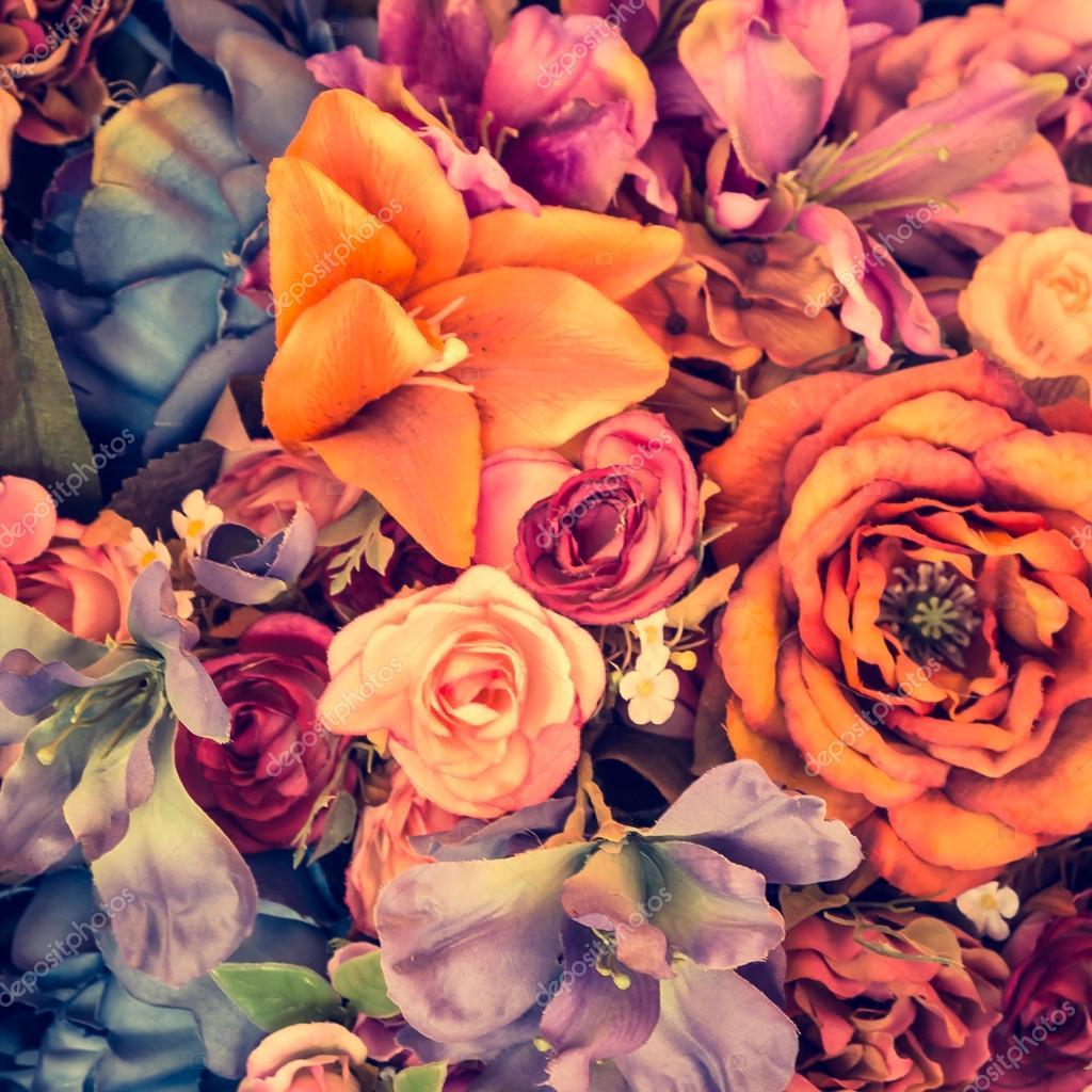 Fond de belles fleurs vintage , effet de filtre vintage \u2014 Image de  mrsiraphol