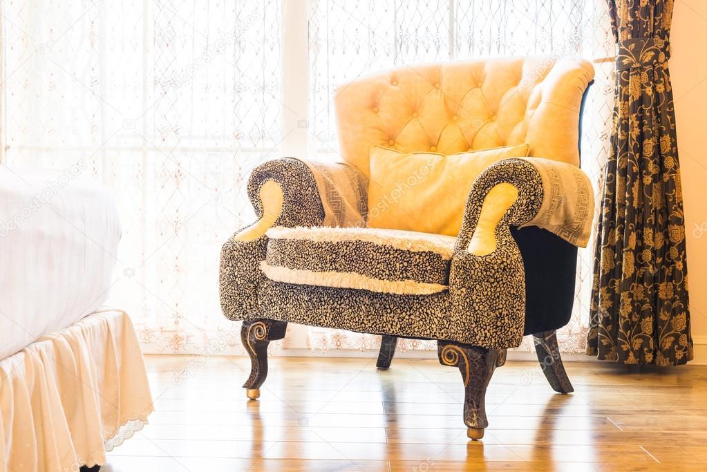 Klassische Sessel klassische sessel deocration stockfoto mrsiraphol 86193930