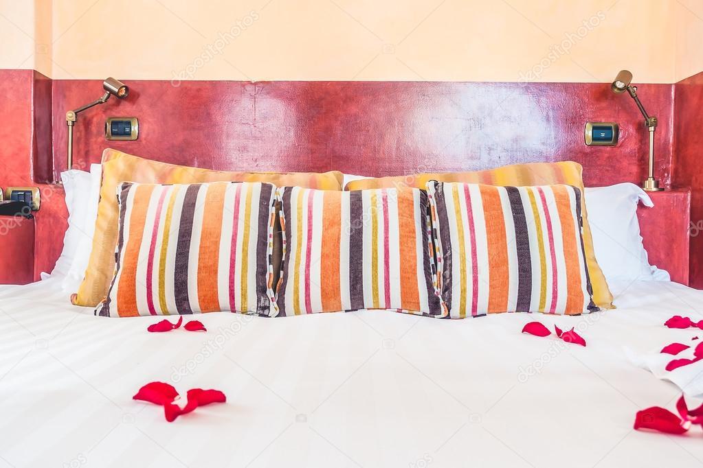 Camere Da Letto Marocco : Cuscini in camera da letto con stile marocco u foto stock