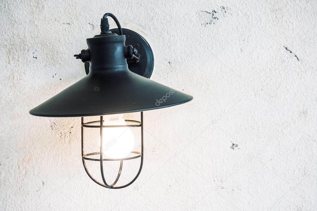 Licht lamp op muur woonkamer — Stockfoto © mrsiraphol #98508042
