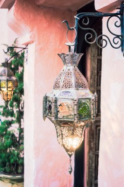 Lantern with moroccan style