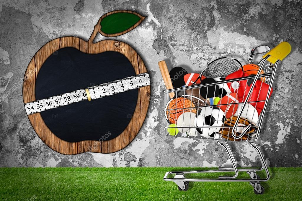9f282504c Pedra de compras carrinho esporte equipamentos de parede apple — Fotografia  de Stock