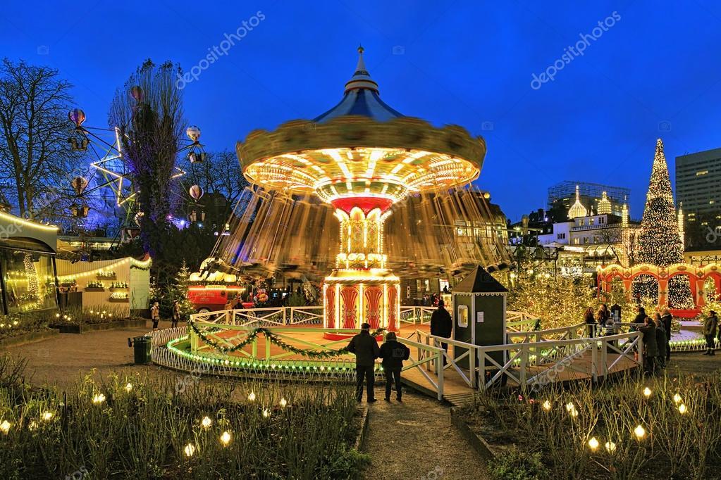 carrousel et nol illumination dans les jardins de tivoli copenhague danemark photo - Jardins De Tivoli