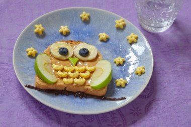 Owl sandwich for the kids