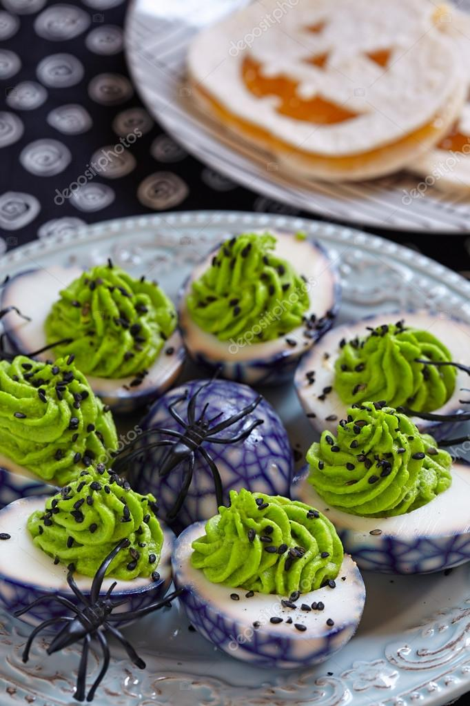 Oeufs Farcis Pour Halloween Photographie Odelinde 84543528