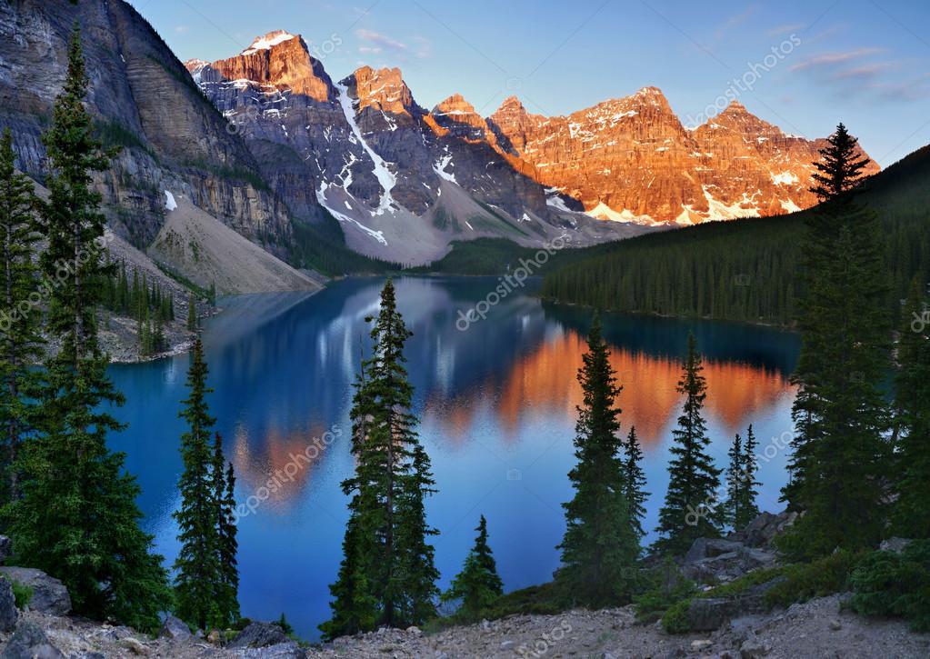 Фотообои Moraine lake Canada