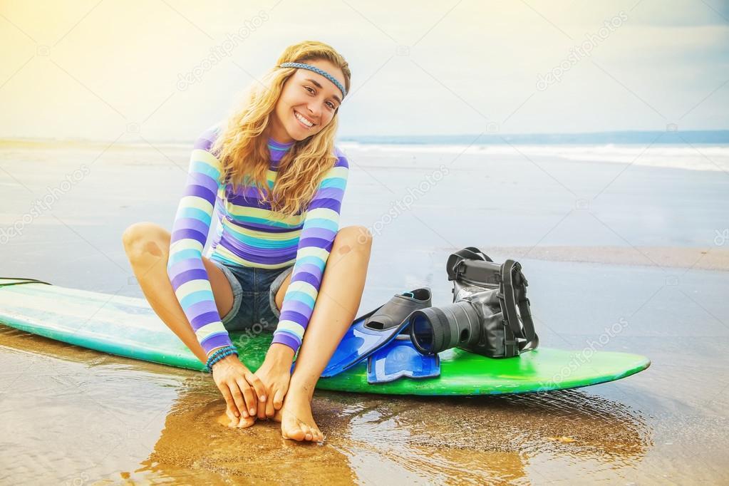 Surf фотограф девушка — стоковое фото