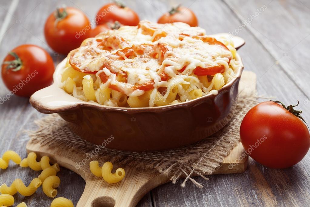Макароны запеченные с сыром и помидорами в духовке рецепт 85