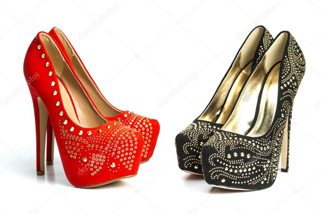 501dce48961c Modne buty na obcasie buty w nity i cyrkonie — Zdjęcie stockowe ...