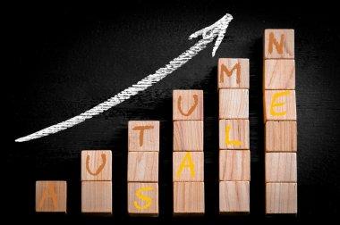 Message AUTUMN SALE on ascending arrow above bar graph