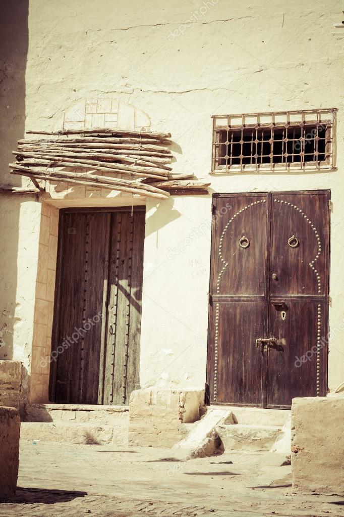 porte d corative kairouan tunisie photo 56132301. Black Bedroom Furniture Sets. Home Design Ideas
