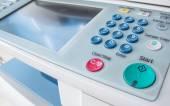 Büroleben, Fax, Kopierer, Startknopf hautnah