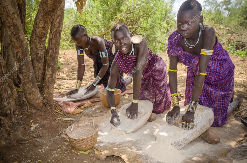 Conhecido mulheres da tribo mursi, vale do omo, Etiópia — Fotografia de  YZ55