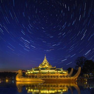 Karaweik - Kandawgyi Lake - Yangon - Myanmar