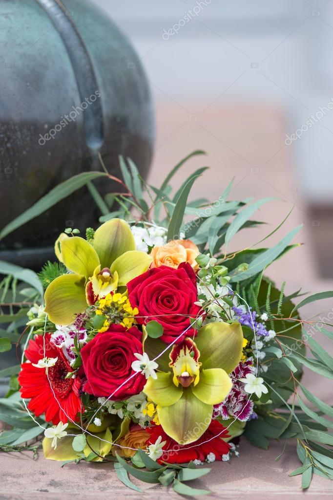 Moderne Hochzeitsstrauss Stockfoto C Natalie B 81566082